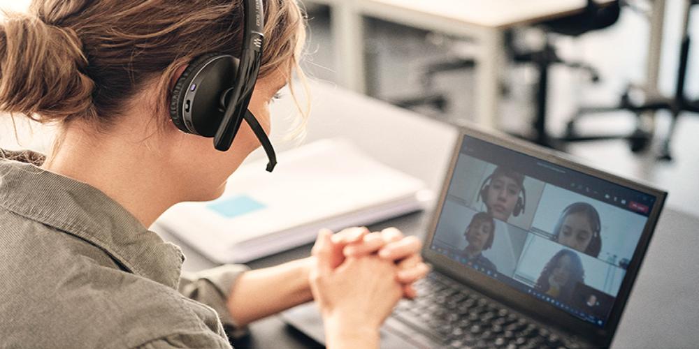ชุดหูฟังสำหรับการสอนออนไลน์ ตัวช่วยชั้นเยี่ยมสำหรับคุณครูในช่วง Learn from home